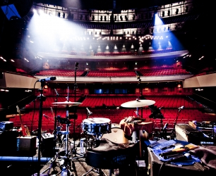backstage_kane